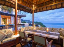 Villa Bidadari Cliffside Estate, Pool Pavillon