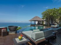Villa Bidadari Cliffside Estate, Pool-Deck